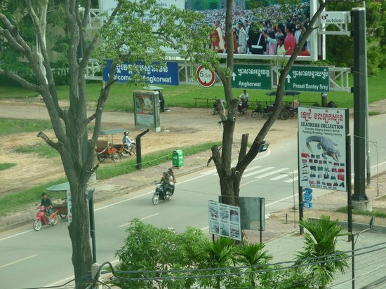 تارا أنكور هوتل: going to Angkor Wat 