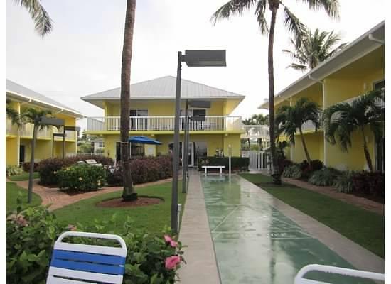 Sandpiper Gulf Resort: shuffleboard