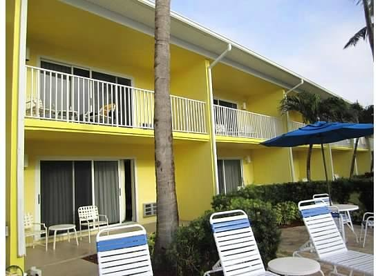 Sandpiper Gulf Resort: outside, poolside rooms