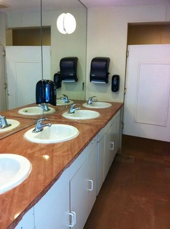 Ventura Ranch KOA: very nice restrooms, showers with hot water (no tokens required!)