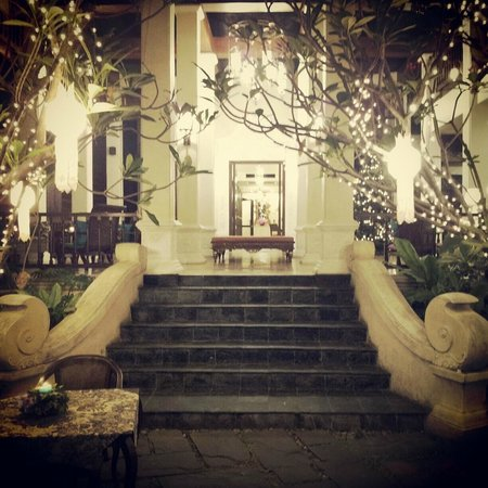 Puripunn Baby Grand Boutique Hotel: The Entrance to the lobby area