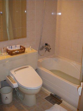 Rex Hotel: バスルーム