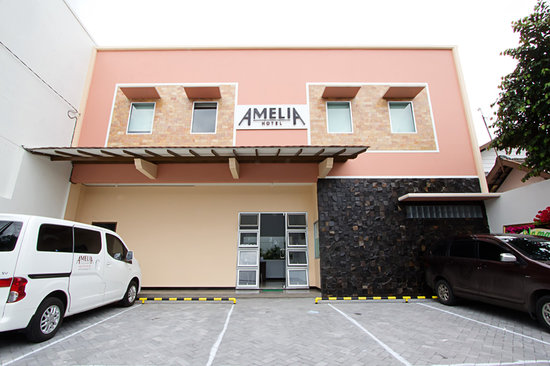 Amelia Hotel: Hotel Exterior