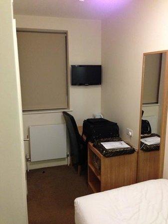 Queens Hotel: singel room