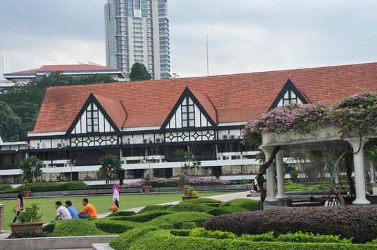Merdeka Square: Royal Selangor Club