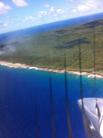 Atiu Villas: Flying out