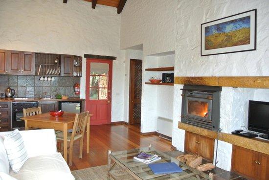 Piermont Retreat: Kitchen/ Living space