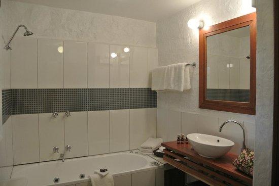 Piermont Retreat: Bathroom