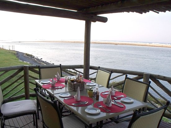 Umngazi River Bungalows & Spa: View from breakfast room (exclusive to certain suites)