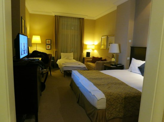 Corinthia Hotel Budapest: spacious beautiful room
