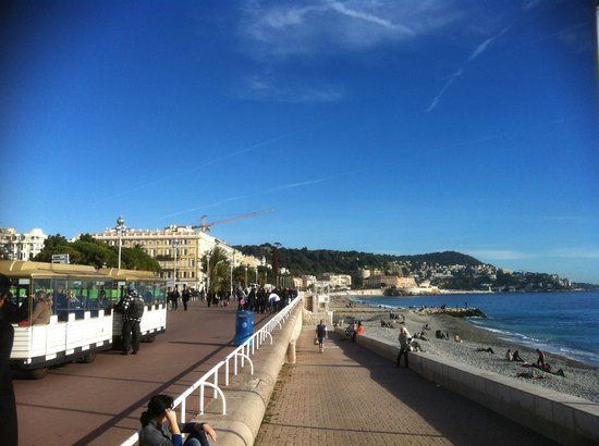 Le Meridien Nice: The Promenade des Anglies (The English Walk) in front of the hotel