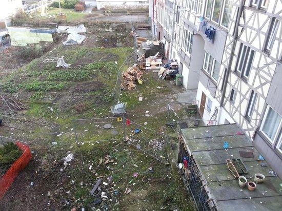 Ibis Bregenz: Blick zum Hinterhof