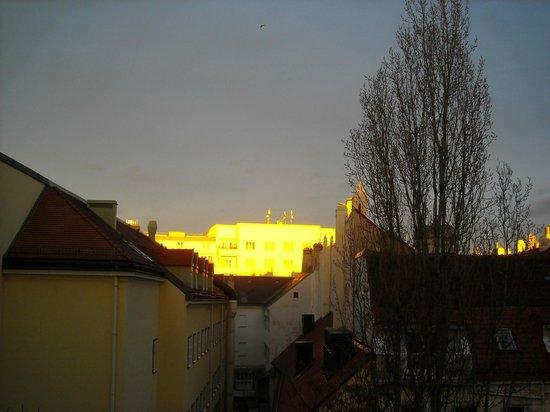 Mercure Grand Hotel Biedermeier Wien: View from room