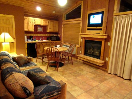Deluxe Cabin at Red Cliffs Lodge