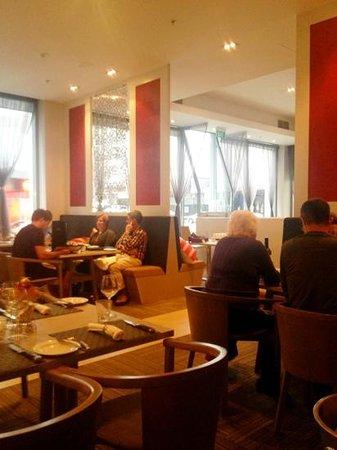 Rydges Auckland: STK Restaurant