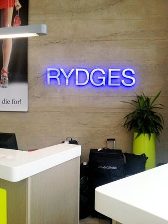 Rydges: Recommend staying here