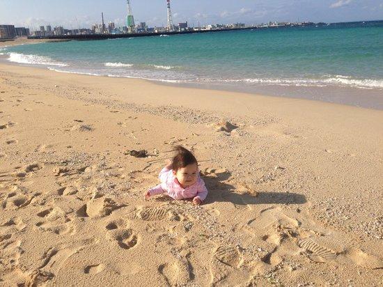 Maezato Beach : 砂浜