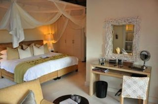 Lion Sands River Lodge: Pecious and clean room