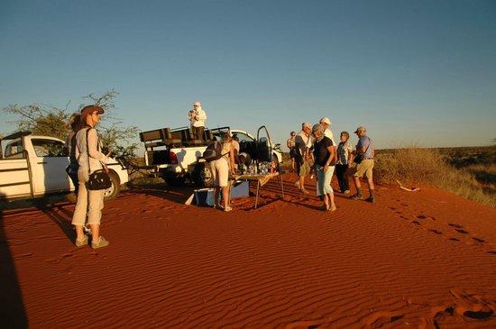 Kalahari Anib Lodge: Sundowner on a Kalahari Dune