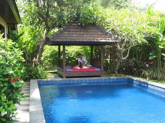 Bliss Sanctuary for Women: massage hut