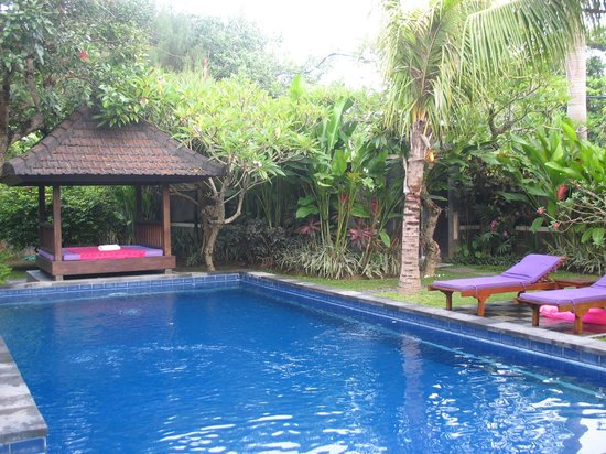 Bliss Sanctuary for Women: pool