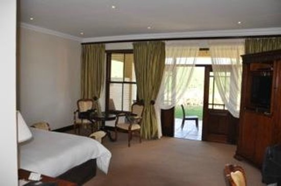 Asara Wine Estate & Hotel: Room