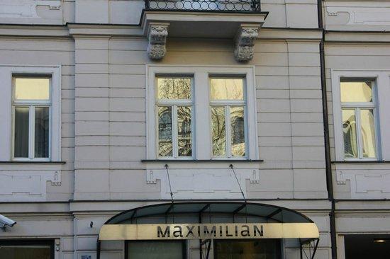 Maximilian Hotel: Hotel front