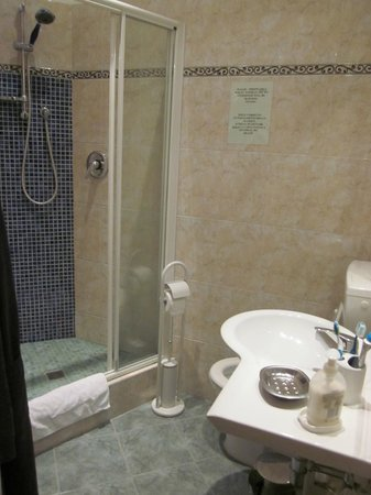 Franz House: Bagno pulitissimo!!