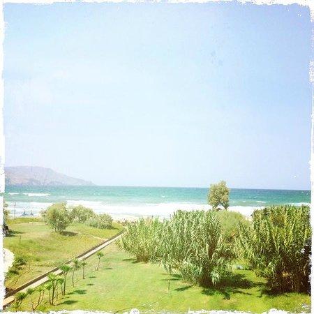 Orpheas Resort: Aussicht aufs Meer vom Balkon ;)