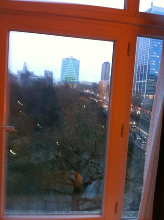 Crowne Plaza Hotel Brussels - Le Palace: View from the window