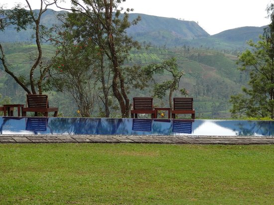 Ceylon Tea Trails: piscina