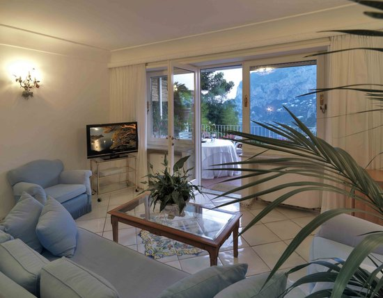 Villa Brunella: Salottino Junior Suite