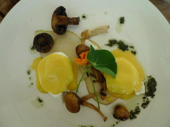 بابيلونستورن: A lovely breakfast creation by the chef 