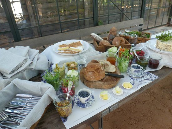 Babylonstoren: Pre-braai snack table in the glass house