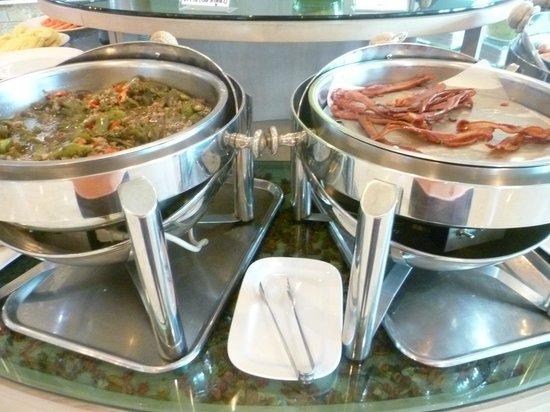 The Mantrini Boutique Resort: Food