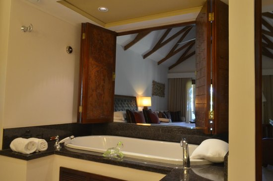 Constance Lemuria: bathroom overlooking bedroom