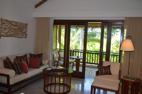 Constance Lemuria: lounge area
