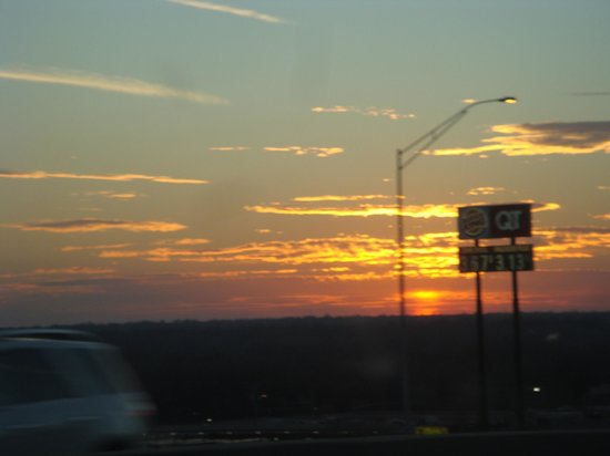 BEST WESTERN PLUS Des Moines West Inn & Suites: Sunset over Iowa