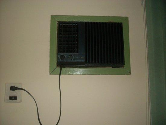 Hotel Costa Verde : ar condicionado velho e barulhento