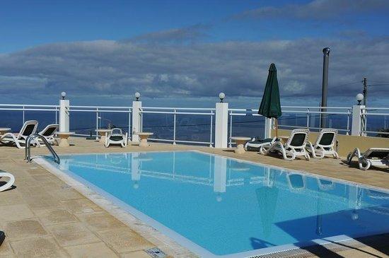 Vila Mia: Hoteleigener Pool mit fantastischer Aussicht