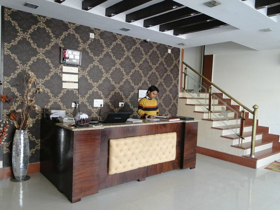 Hotel Delhi Aerocity: Rezeption