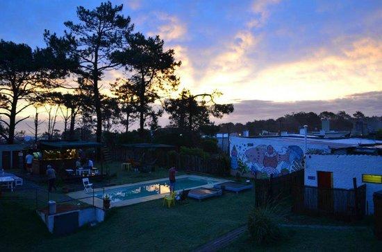 El Viajero Manantiales Beach Hostel: Beautiful evening