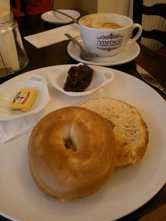 Lawrie's Bistro and Coffee House: Bagel for breakfast at VCC