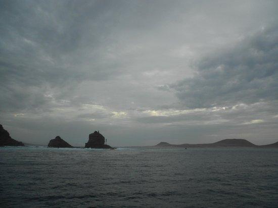 Islas Graciosa: Punta Fariones and Isla Graciosa from return ferry