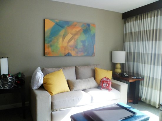 Bay Lake Tower at Disney's Contemporary Resort: Living Room