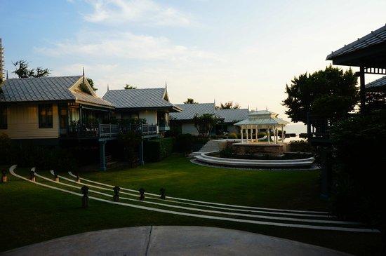 Devasom Hua Hin Resort: hotel landscape