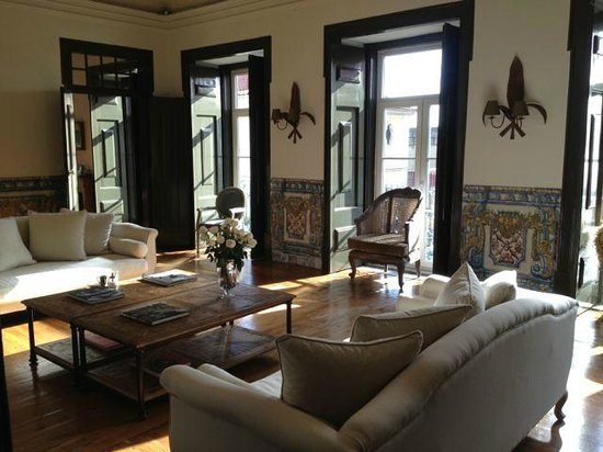 Palacio Ramalhete: A sitting area