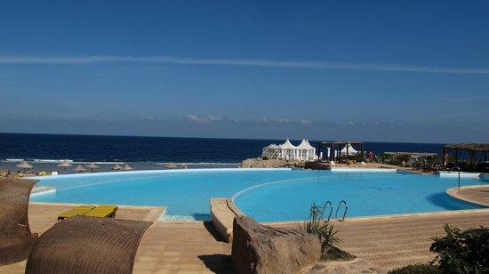 Kahramana Beach Resort: PISCINA