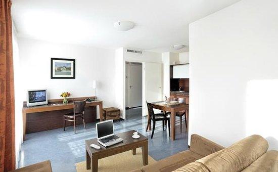 Appart 39 city confort lyon vaise hotel france voir les for Prix appart city