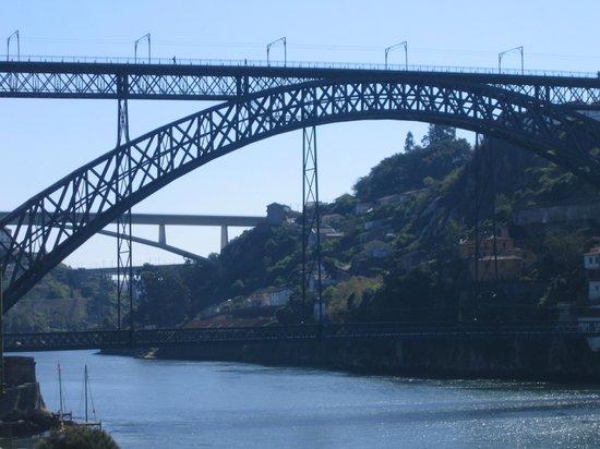 Pestana Vintage Porto: El puente de Eiffel sobre el Duero